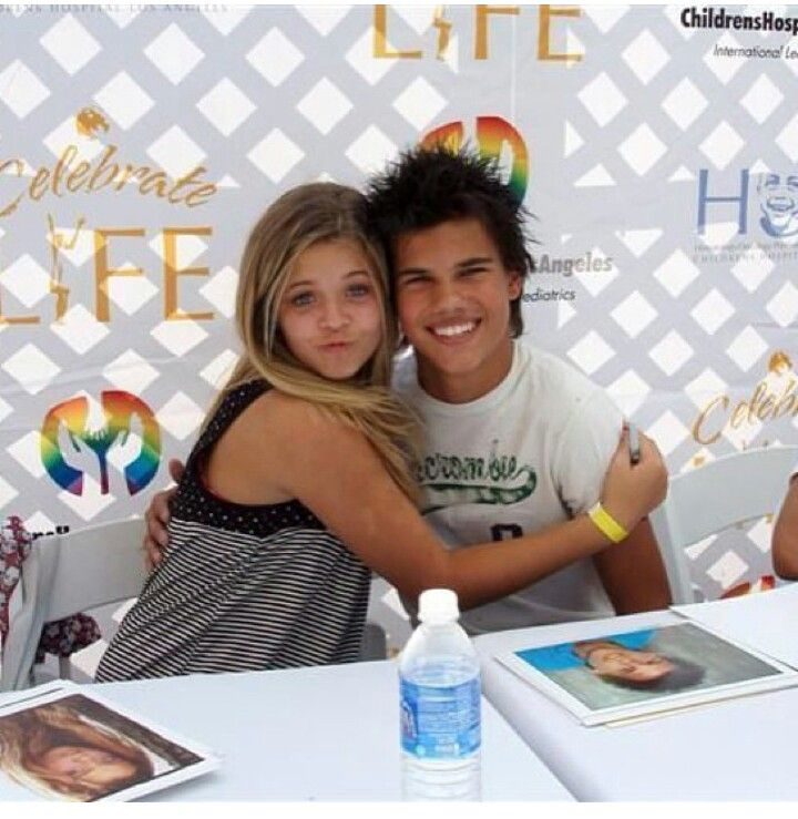 The young Sasha Pieterse with Taylor Lautner! Aww | When ...