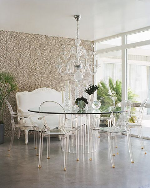 Louis Ghost Chair by designer Philippe Starck for Kartell...so pretty!: Dining Rooms, Elle Decor, Palms Spring, Clear Chairs, Lucite Chairs, Dining Sets, Louis Ghosts Chairs, Dining Tables, Glasses Tables