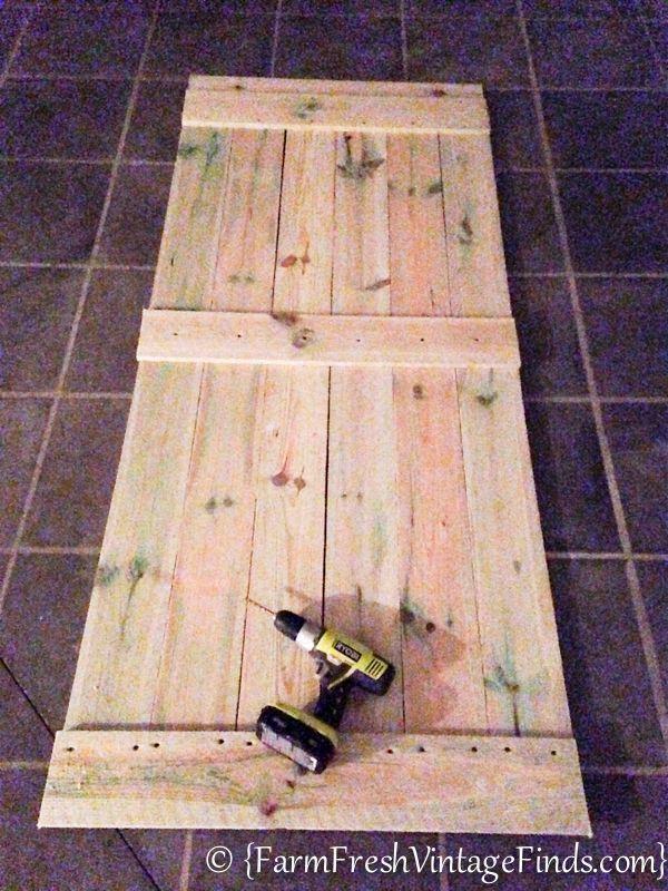 Günstig eine Scheunentür bauen und aufhängen