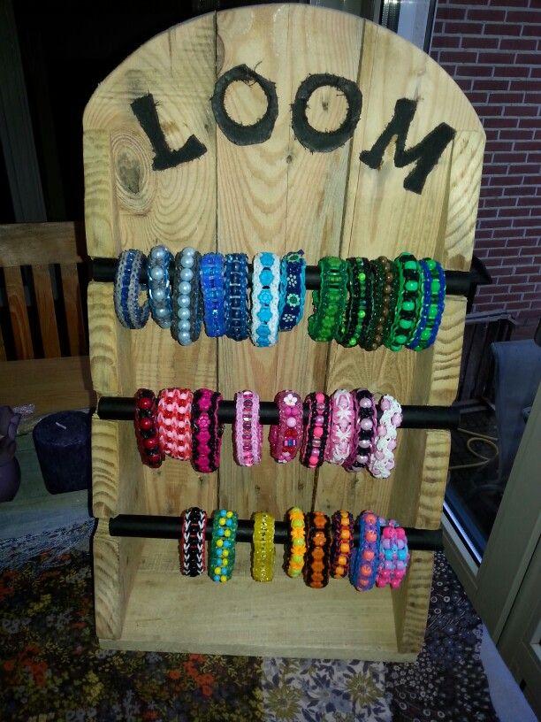 Loom Display gemaakt door @brugg91 , armbanden met kralen zijn gemaakt door mij!