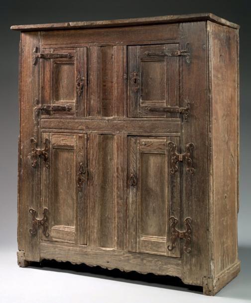 Les 497 meilleures images du tableau wooden antiques sur - Armoire quatre portes ...