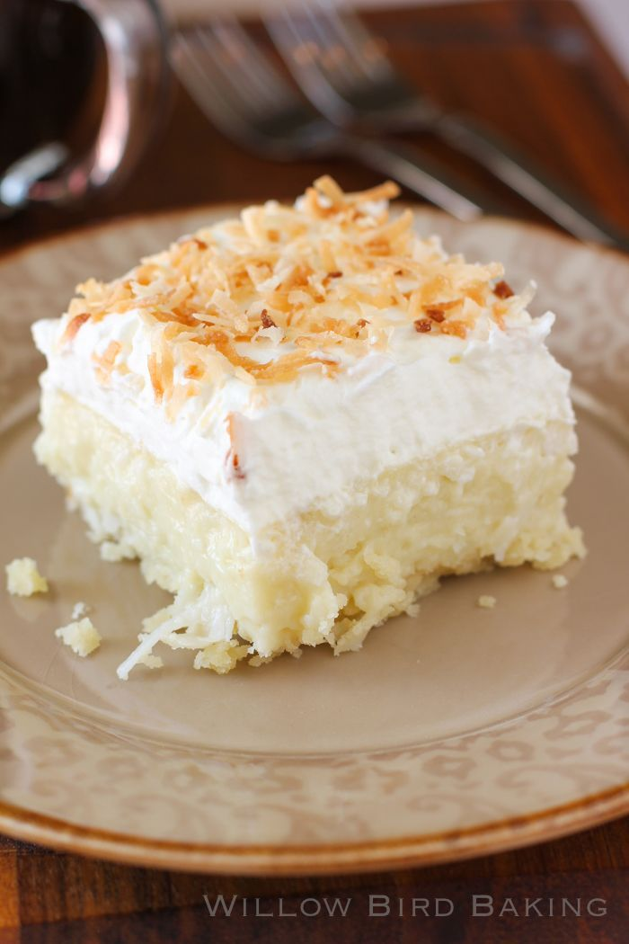 coconut cream pie bars with an easy shortbread crust, creamy coconut pastry filling and a stabilized sweetened whipped cream with toasted coconut