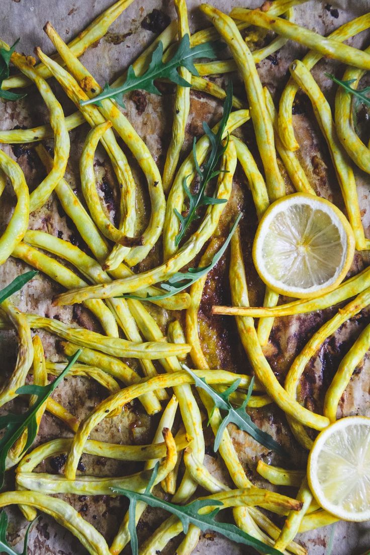 Importing legumes in a vegan diet is crucial. Beans, peas, and lentils are all great sources of protein and fiber. Today's recipe shows you a quick and easy way how to cook wax beans. The beans are roasted together with arugula and lemon juice to make them very flavorful and tangy. It's...