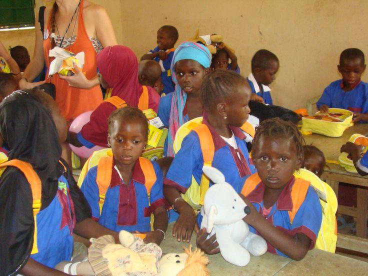 SATE VIPAL participa en el proyecto Fábrica de Sonrisas de ayuda a Gambia