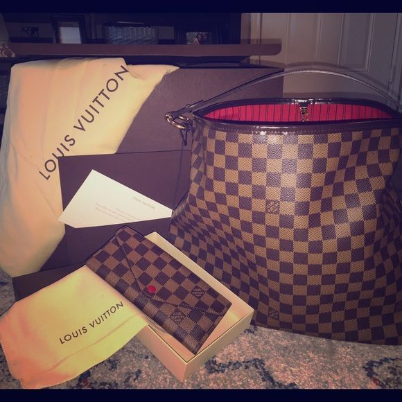 LV Delightful MM Damier handbag & Jospehine wallet Louis Vuitton Delightful MM handbag (Damier) Louis Vuitton Jospehine wallet (Damier)                The set is only 3 and a half months old. Lightly used in mint condition. No rips, tears, etc. on bag - contact for more photos! Louis Vuitton Bags Shoulder Bags