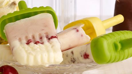 Berry and Yoghurt Pops  #healthy #icepops #popsickle