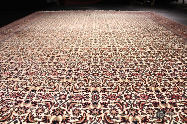 Zbliżenie na runo dywanu Bidjar Garrus - wełna z jedwabiem. Dywany Kolekcjonerskie; Sarmatia Trading.