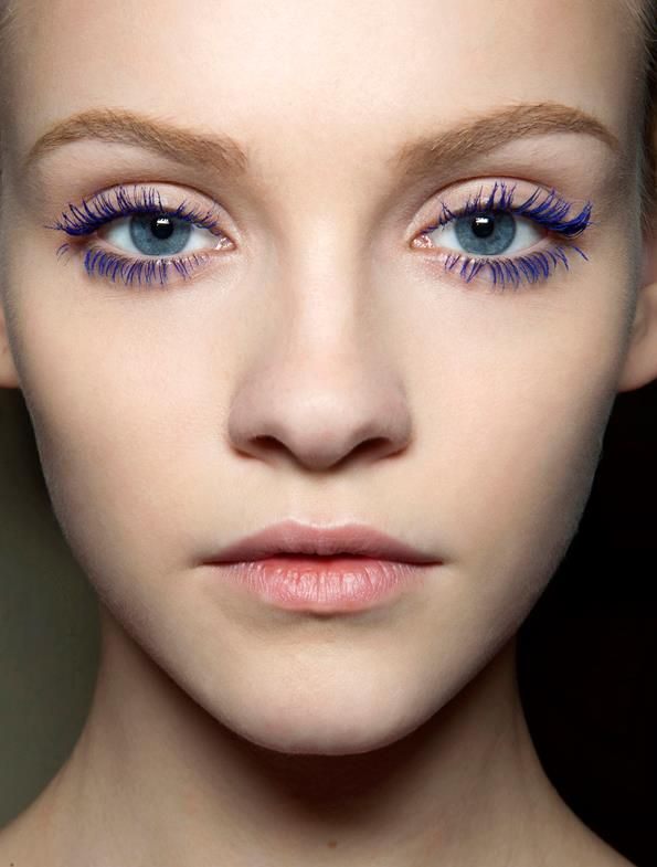 i'd love to wear coloured mascara in the day!