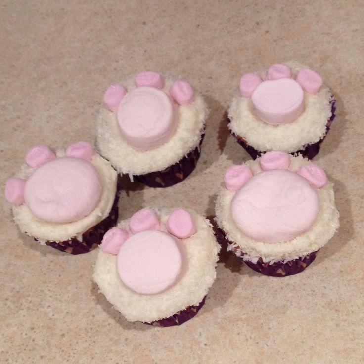 Bunny paw cupcake minis
