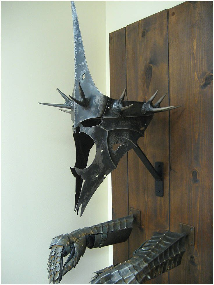 I like to think that this trophy now hangs in Éowyn and Faramir's home... The last earthly remains of the Witch King of Angmar ;)