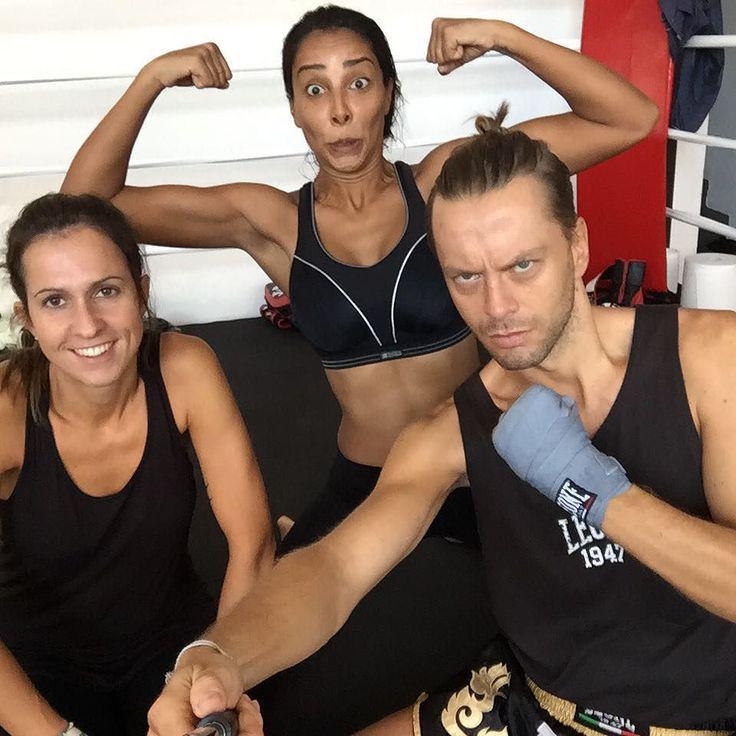 #JulianaMoreira Juliana Moreira: Degym Gang chi ha voglia di sparring  #porrada #degym #friendship #body #healthy #ring #punch #kick #muaythai #fitness #braziliangirl #italiangirl #czechboy #trainer #training #lifestyle #motivat