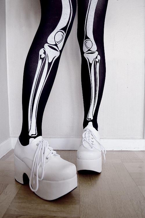 Skeleton Tights  http://irodohieru.tumblr.com/