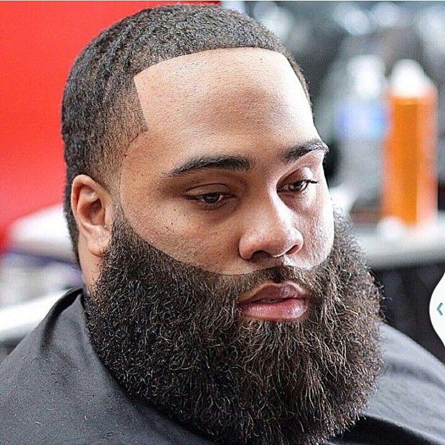 Beard game on lock!! #outofhandbarbers by @trav_da_barber
