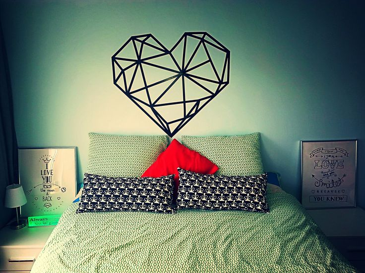 Tape wall art Black Heart geometria diy