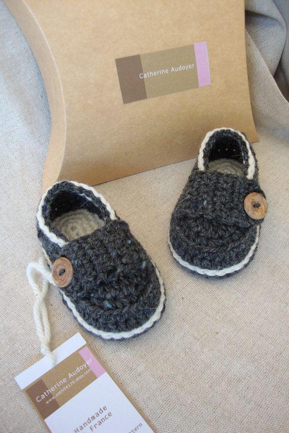 Crochet Baby Booties Little Loafers in Tweed Dark Grey and Cream $17.00