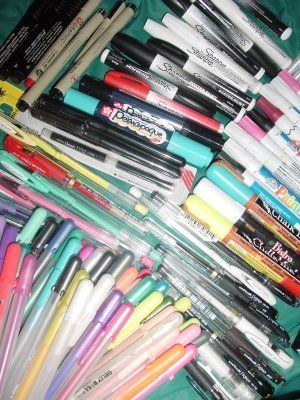 Nice feedback on pens for art journalling. Best way to store pens: FLAT not standing up in a cup.