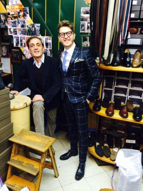 Umberto #Palermo con Enzo, napoletano doc e titolare di #Otisopse, eccellenza italiana nell'ambito delle #calzature artigianali #MadeInItaly. #Scarpe di qualità apprezzate da #vip e star internazionali... in perfetto stile #UpDesign!