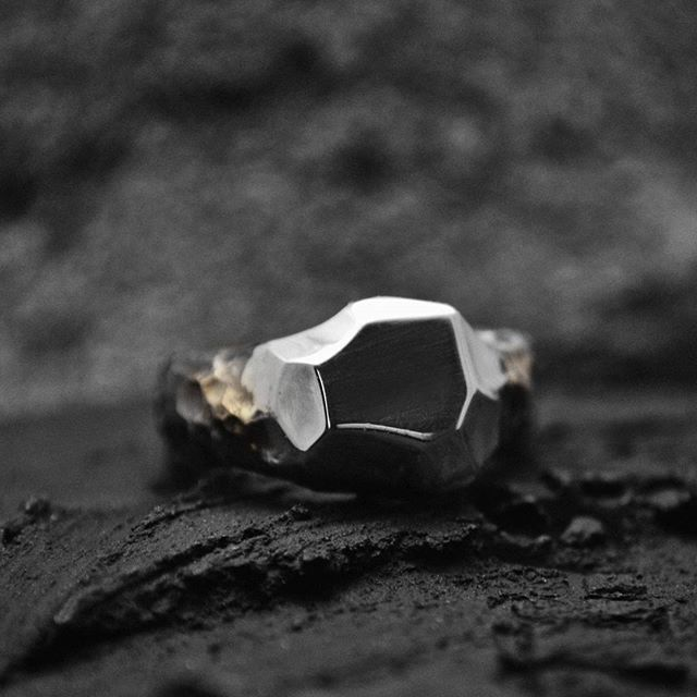 Deep shadows & bright light Ring. Sterling silver, 14ct gold  #shulejewelry…