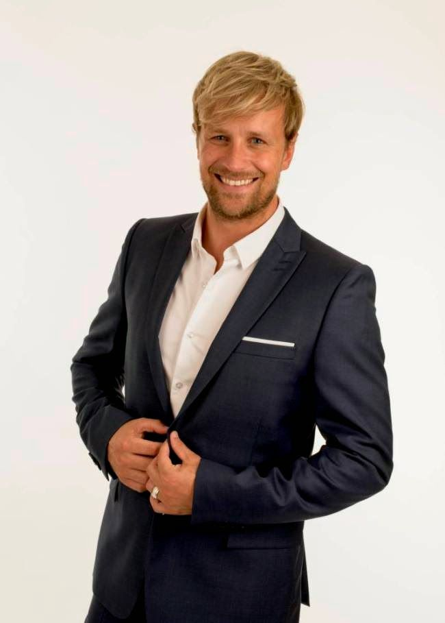 One Direction 1D: Kian Egan has just gone and stuck the knife into O...