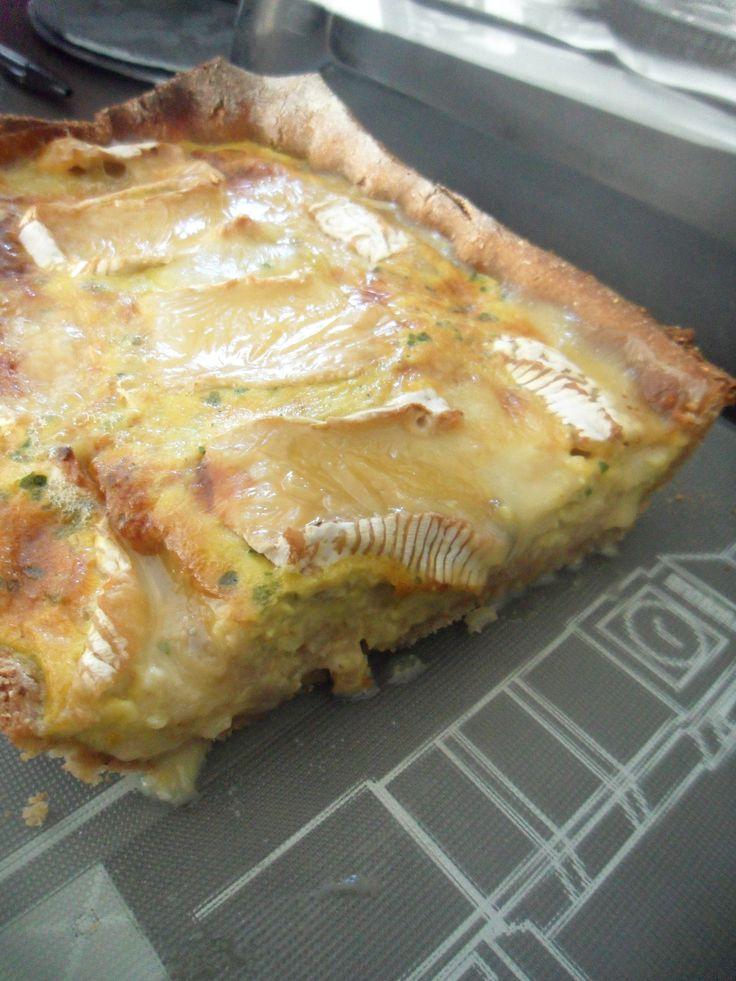 Tarte oignons, pommes et camembert