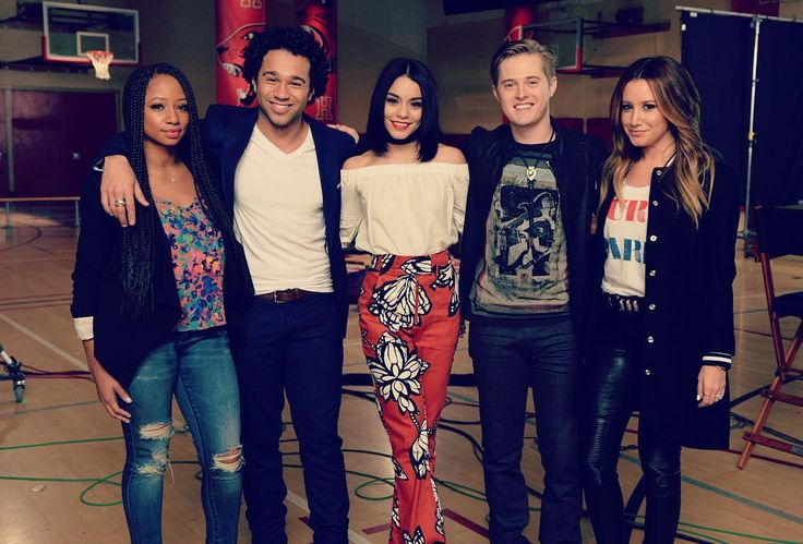 """""""Less than an hour east coast!! Don't miss the #HSM10 anniversary telecast tonight at 8pm, ET/PT on Disney Channel ❤️✨"""""""