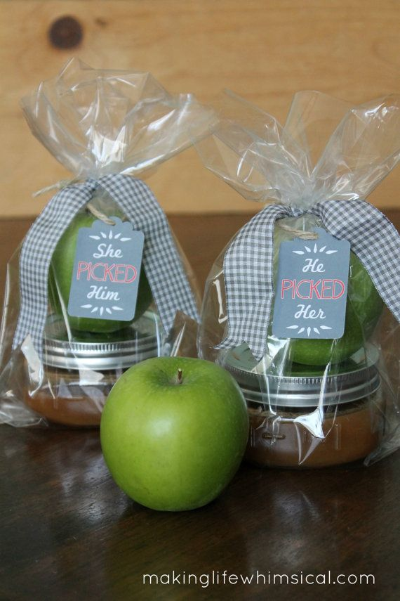 Adorable Edible Wedding or Bridal Shower Favor :: Apples with a Tin of Caramel for Dipping!