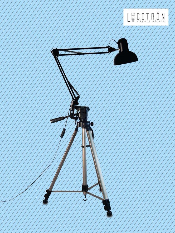 Colección: Tripoide Modelo: Negra Dimensiones: Altura hasta 200cm Ancho 100 cm Encendido: Apagador Precio: $2200