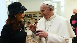 No hay registros de los regalos que recibió Cristina Kirchner y el Gobierno analiza denunciarla por peculado - Infobae