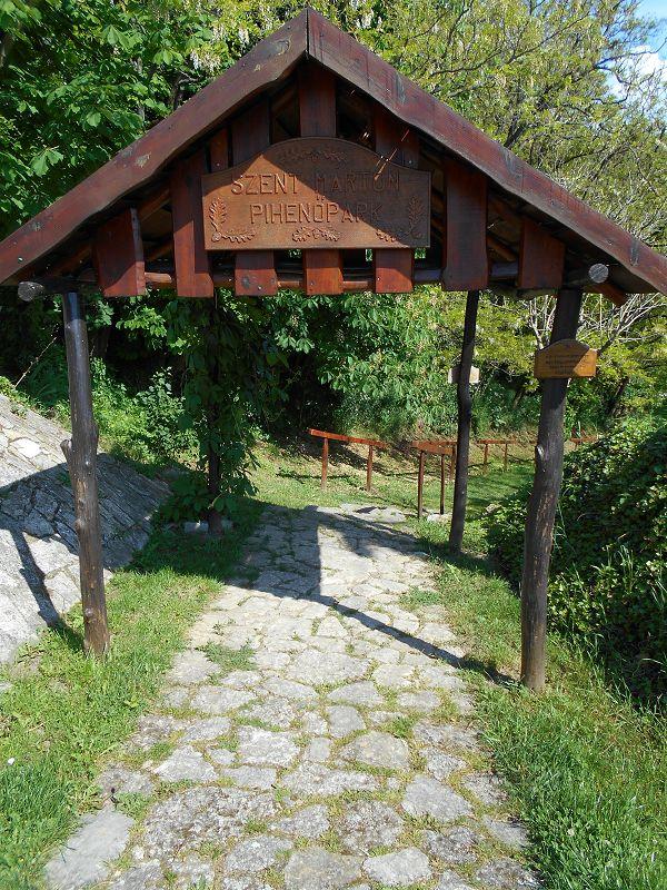 Szent Márton pihenőpark (Óbudavár) http://www.turabazis.hu/latnivalok_ismerteto_4848 #latnivalo #obudavar #turabazis #hungary #magyarorszag #travel #tura #turista #kirandulas