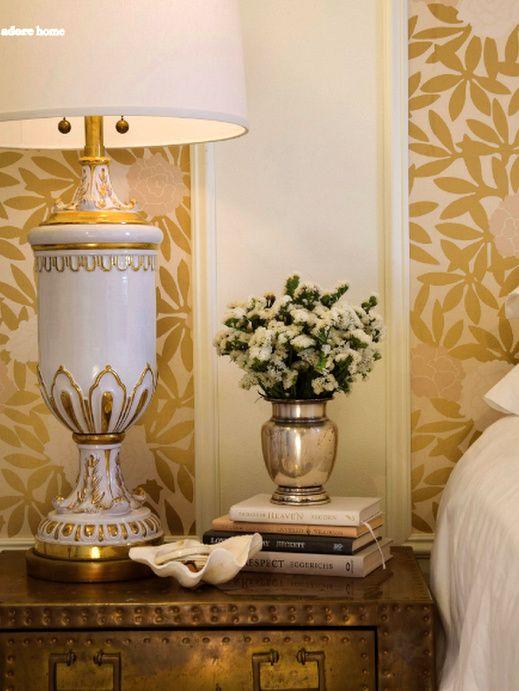 wallpaper touches: Decor, Vignettes, House Tours, Vintage Lamps, Gold Wallpapers, Interiors, Gold Accent, Bedside Tables, Design