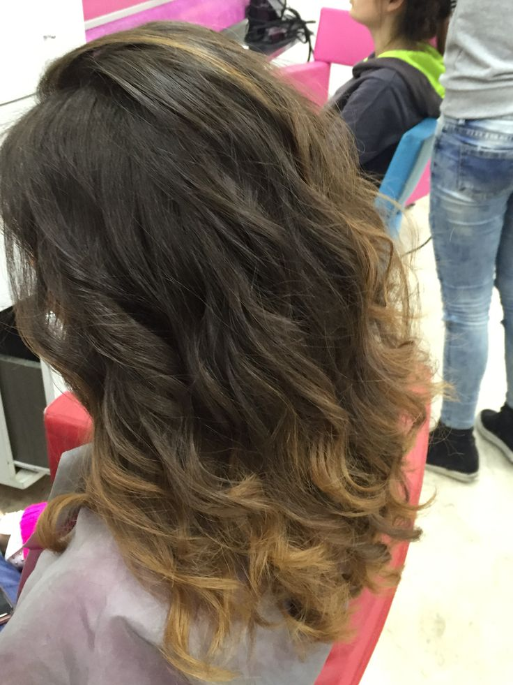 #colore #onde #corsoaggiornamento #colorhair #cut #womenstyle #danilo #girl #hairstyle #hairmodel #wave #degradè #girlhairstyle