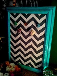 DIY Chevron Bulletin Board for that #college student or to be used as a #jewelry holder