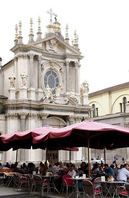 Torino, Piazza San Carlo, Chiesa di Santa Cristina und Caffè Mokita (St. Christina Church)