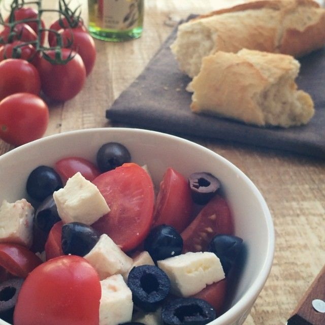 tomato & cheese salad, food styling
