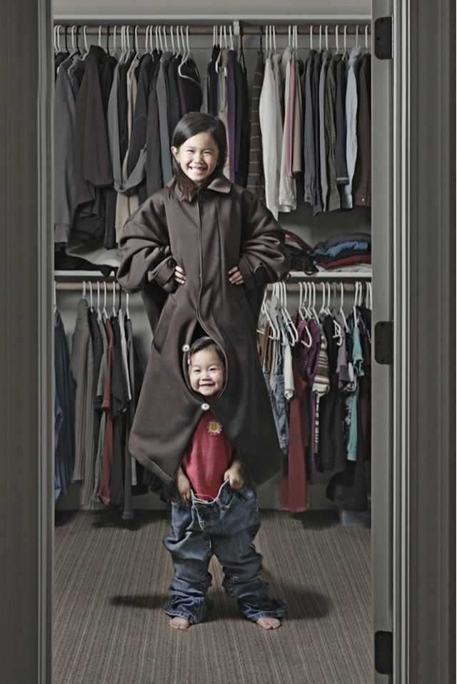 (jasonlee kids) Cool Dad takes funny photographs of daughters set up with funny moments at home, cute. :)