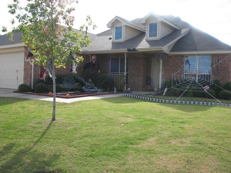 Google Image Result for http://eventpics.smugmug.com/Jackson/Halloween-2009/Halloween-09-JH-House-1-all/696554427_JrHRU-L.jpg