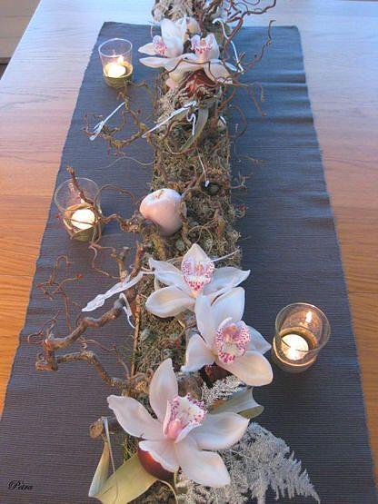 Tafeldecoratie voor Kerst en Nieuwjaar - tafeldecoratie maken met bloemen rond kerst