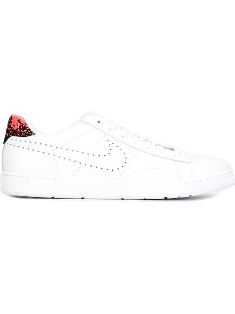 "Comprar Nike zapatillas ""Tennis Classic Ultra"" en Slam Jam from the world's best independent boutiques at farfetch.com. Descubre 400 boutiques en 1 sola dirección."