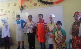 Capacitan IEEPO y RENAPRED-Oaxaca a escolares de los CAM zona escolar 02 en actividades productivas