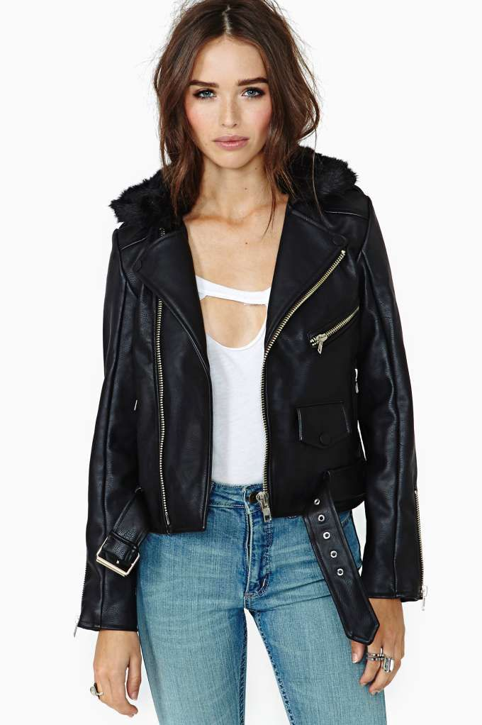 When the cold comes in, keep things toasty with new moto jackets, blazers,  cape coats, and anoraks. Nasty Gal knows how to heat you up!