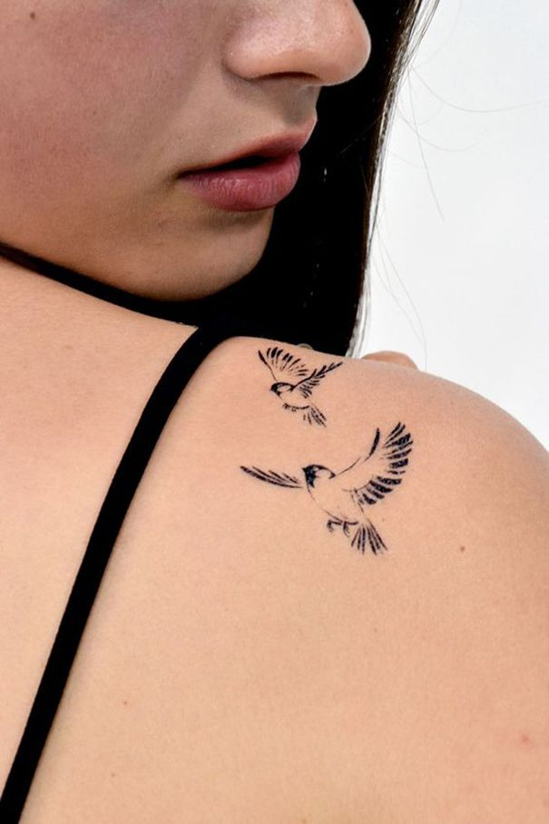 sparrow tattoo on shoulder