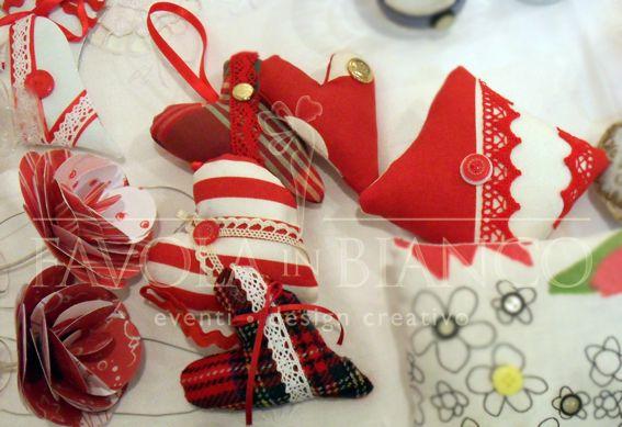 Christmas gifts - cuoricini di stoffa da appendere e cuscinetti di stoffa profumati da usare come profuma armadi e profuma ambienti. Fatti interamente a mano