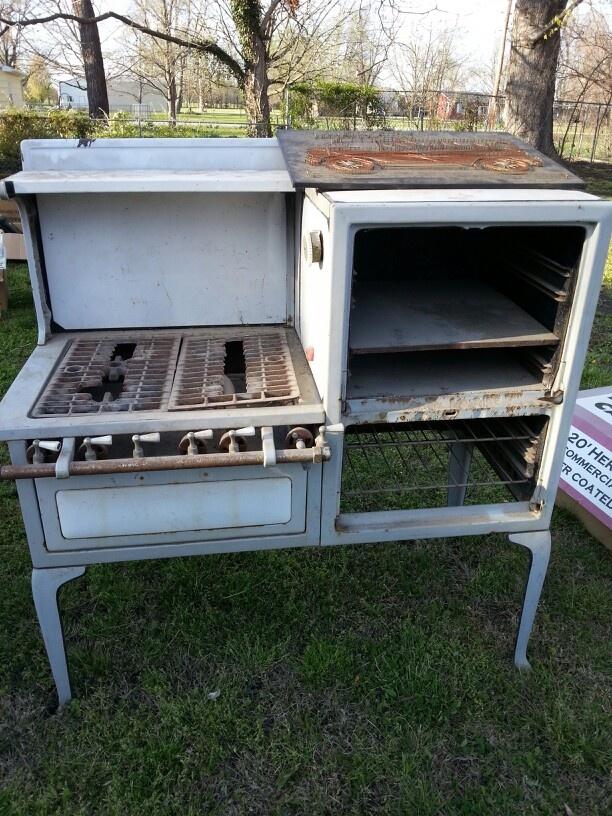 Antique stove | Antique Stoves | Pinterest | Stove, Antique stove and ...