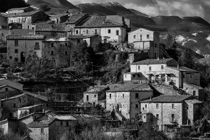 Guardiaregia, Molise, Italia - old houses