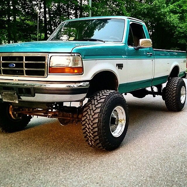 This is my dream truck!!!!...i'm a ford girl!