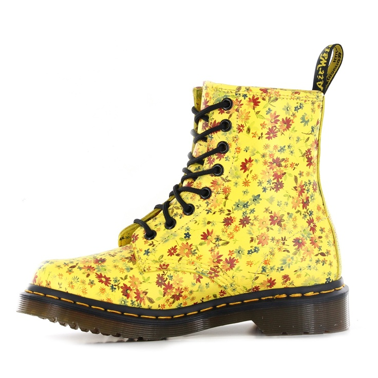 yellow doc martens - WANT
