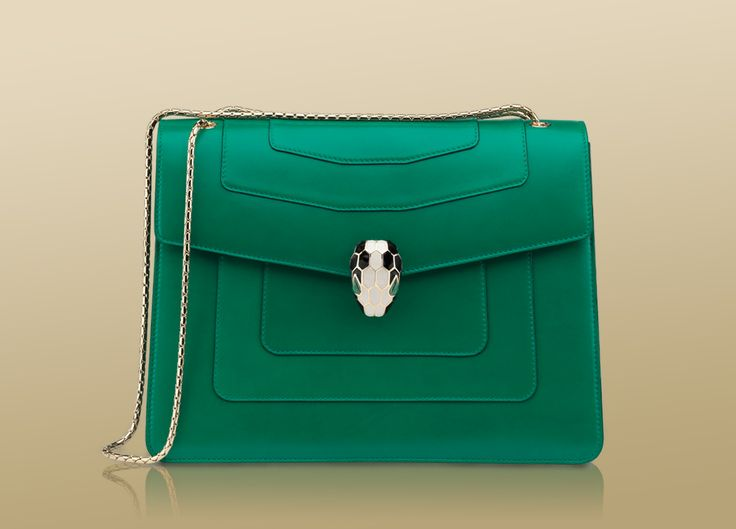 emerald green Bulgari bag spotted in our stylish moms story!