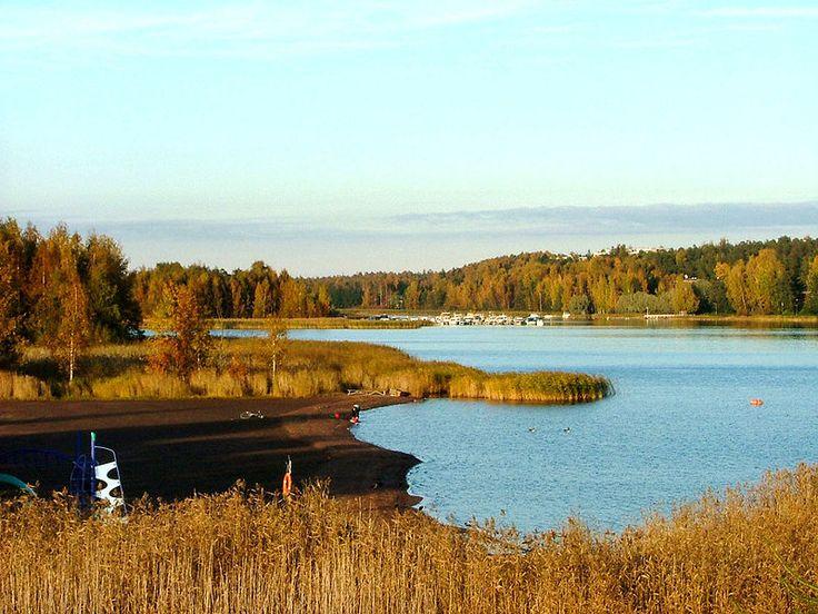 Vartiokylänlahti bay in autumn, my home beach <3. So nice to have a beach so near home!