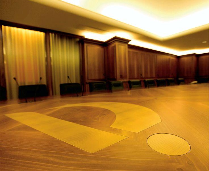 Sala consiliare. Fotografie - Renato Cerisola © 2009 INAIL Tutti i diritti riservati