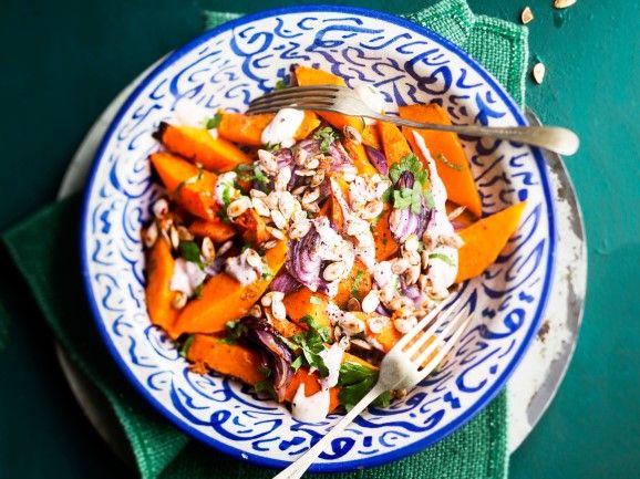 Paahdettu kurpitsasalaatti / Roasted pumpkin salad / Kotiliesi.fi / Kuva/Photo: Sampo Korhonen/Otavamedia
